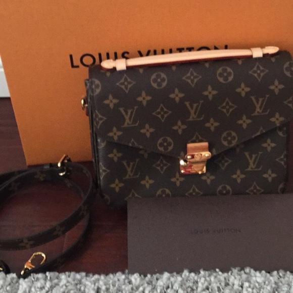 8c6b7d84a2 Louis Vuitton Handbags - Authentic Louis Vuitton pochette metis w receipt